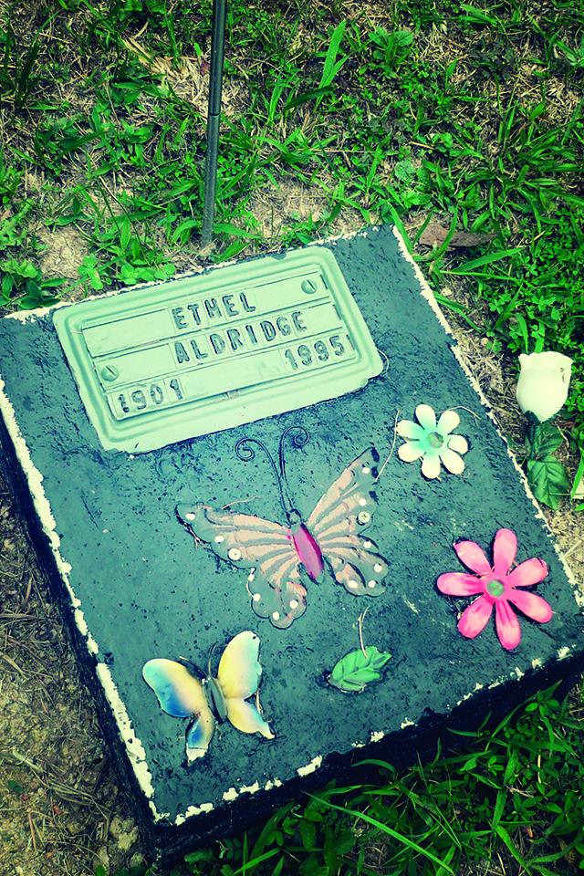 Pucket Cemetery Grave