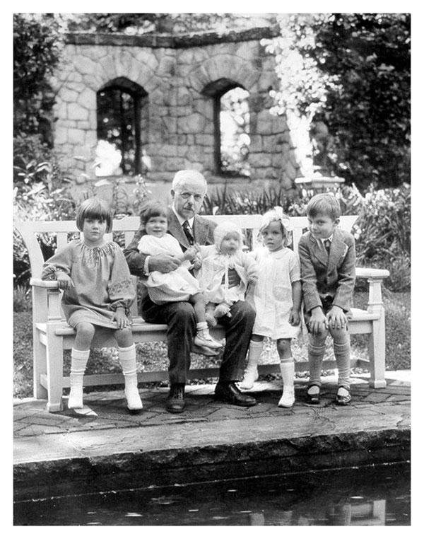 Seiberling with Grandchildren