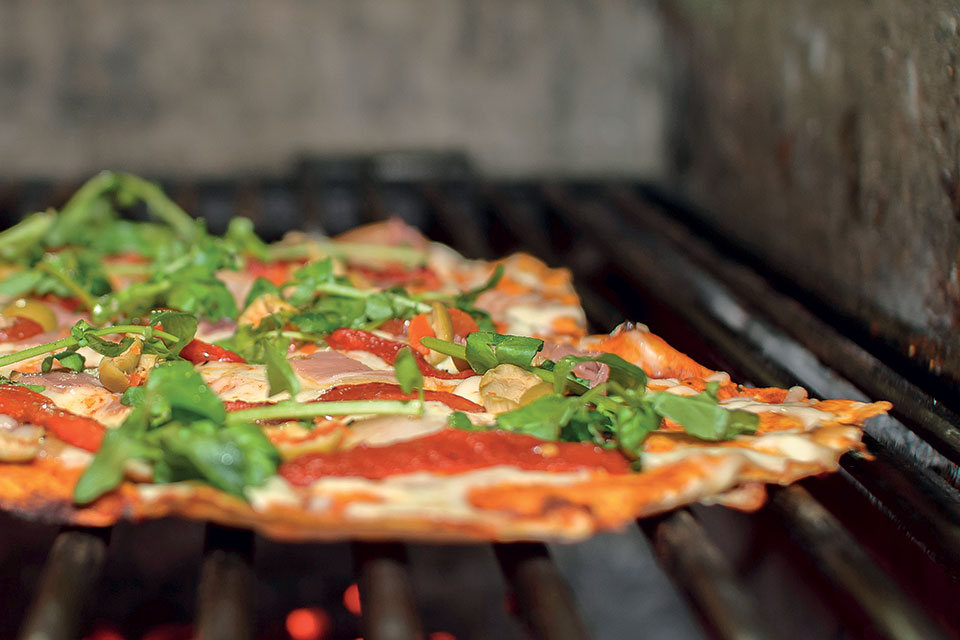 Grilled Pizza, Camping (photo by Thinkstock)