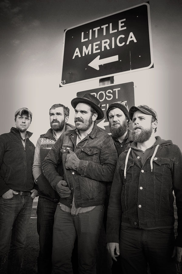 Red Wanting Blue (photo by Greg Rahm)