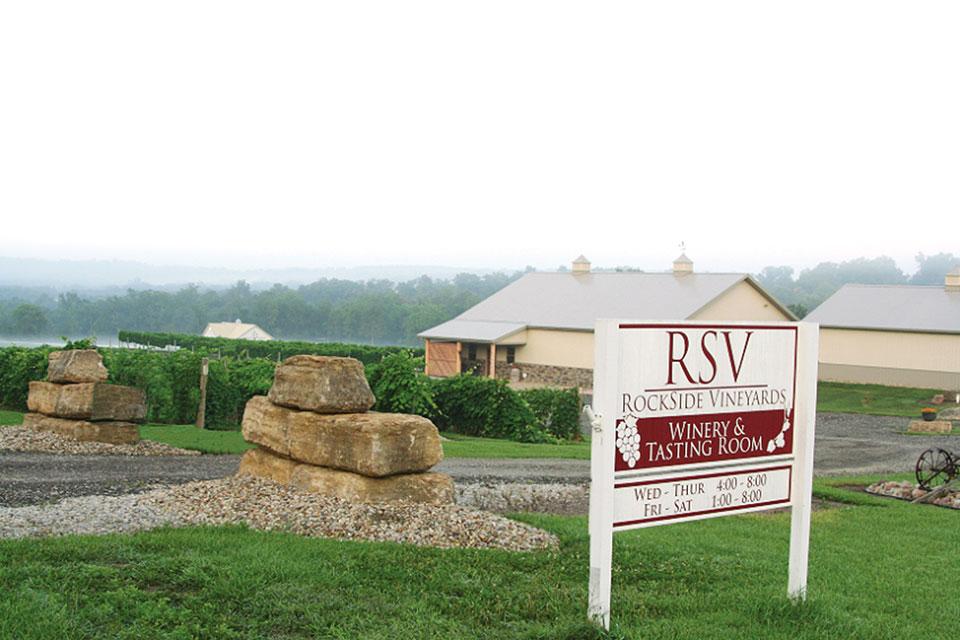 Rockside-vineyards-sign