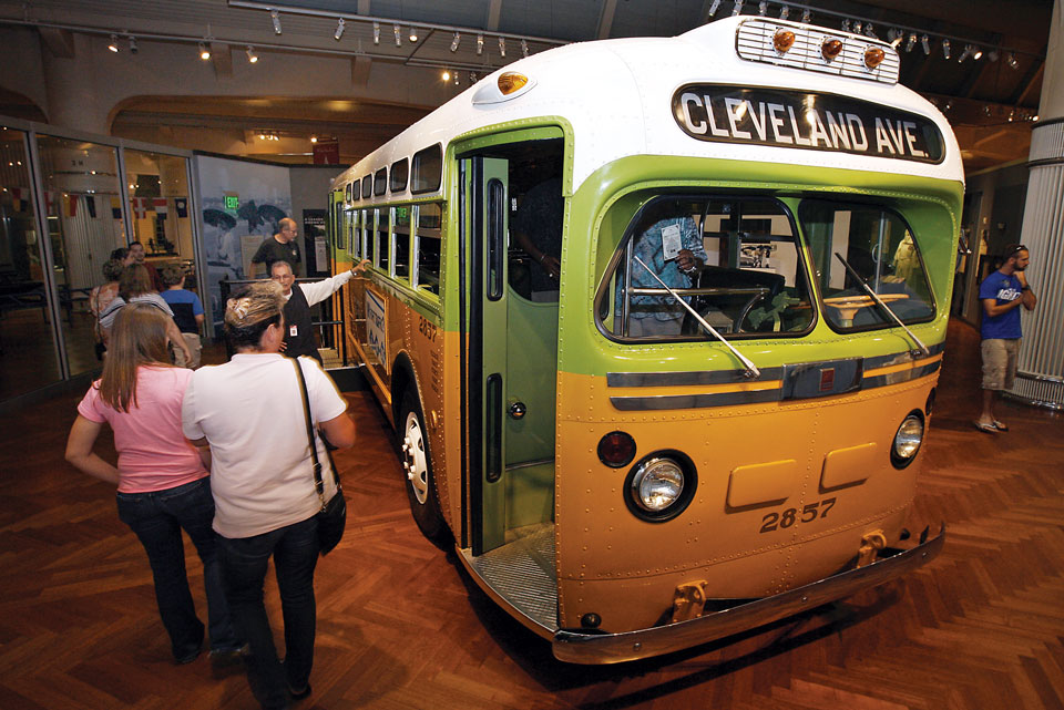 Guests-boarding-Rosa-Parks-bus