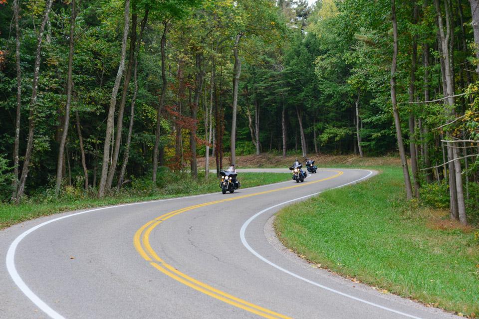 motorcycles-Hocking-Hills-Fall-Poker-Run