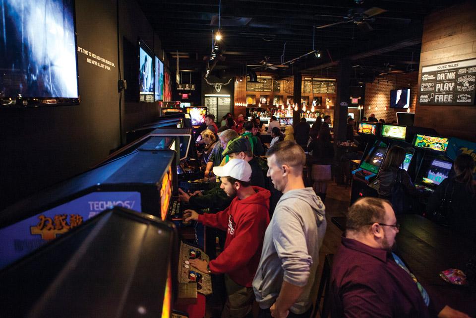 16-Bit-bar-and-arcade-Lakewood