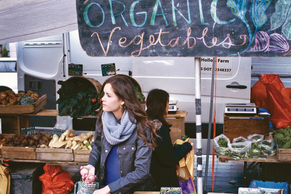 veggie-tale-Cara-market