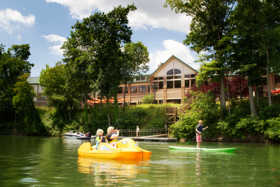 Boating at Stonewall Resort