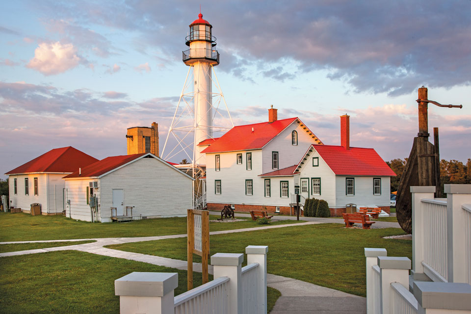 Mich lighthouses _Whitefish