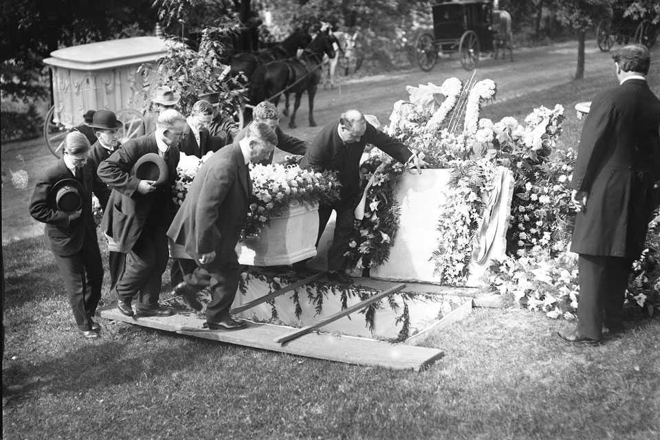 Woodland Cemetery_archive funeral 2