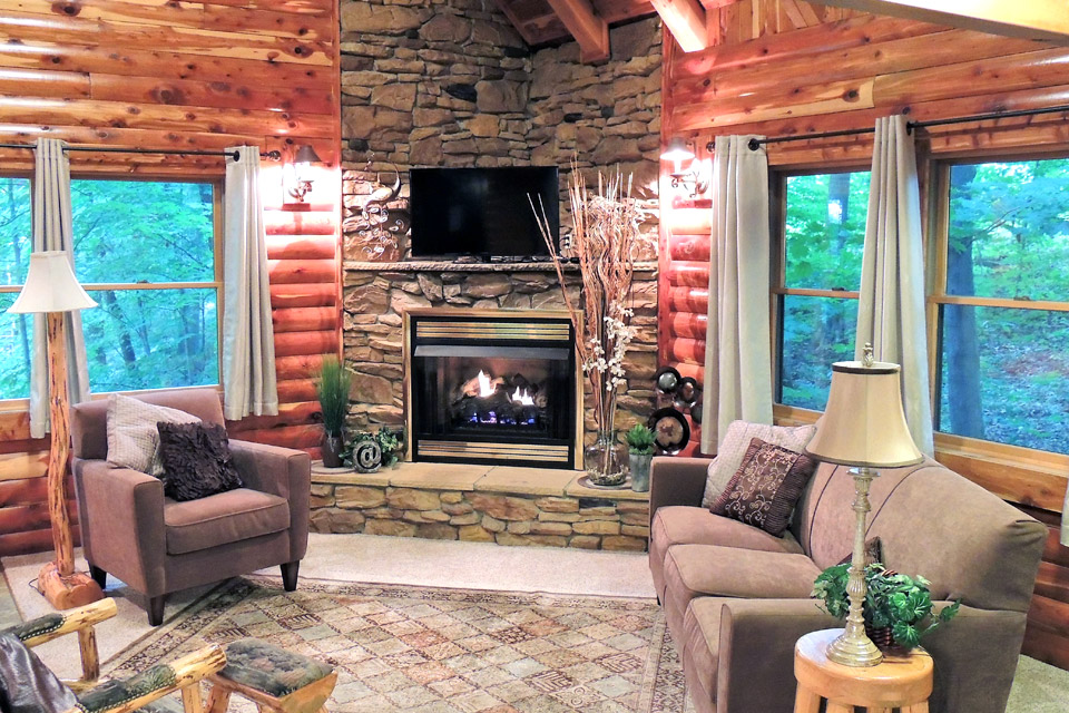 Donnas Premier Lodging fireplace