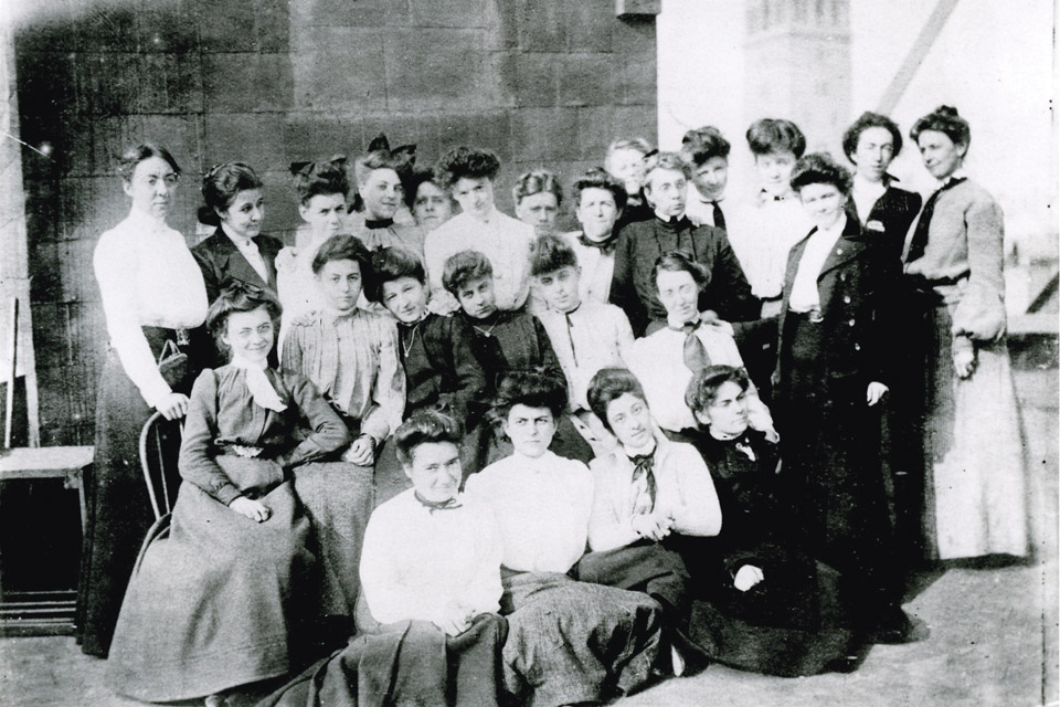Clara Driscoll and her Tiffany girls