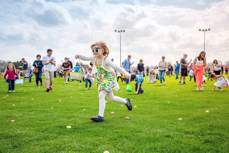 Easter-egg-hunt-at-youngs-jersey-dairy