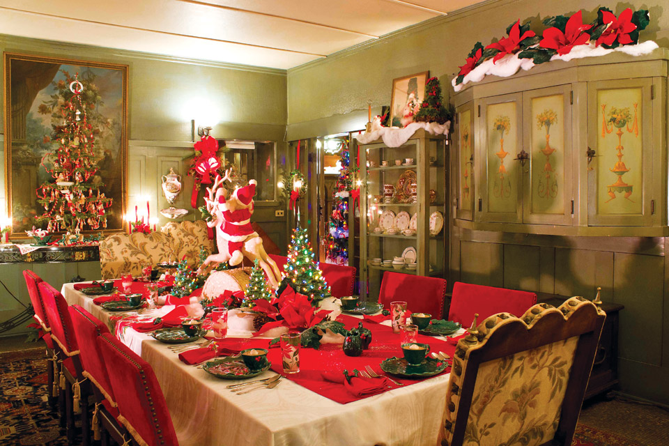 Dining room at Arms Family Museum