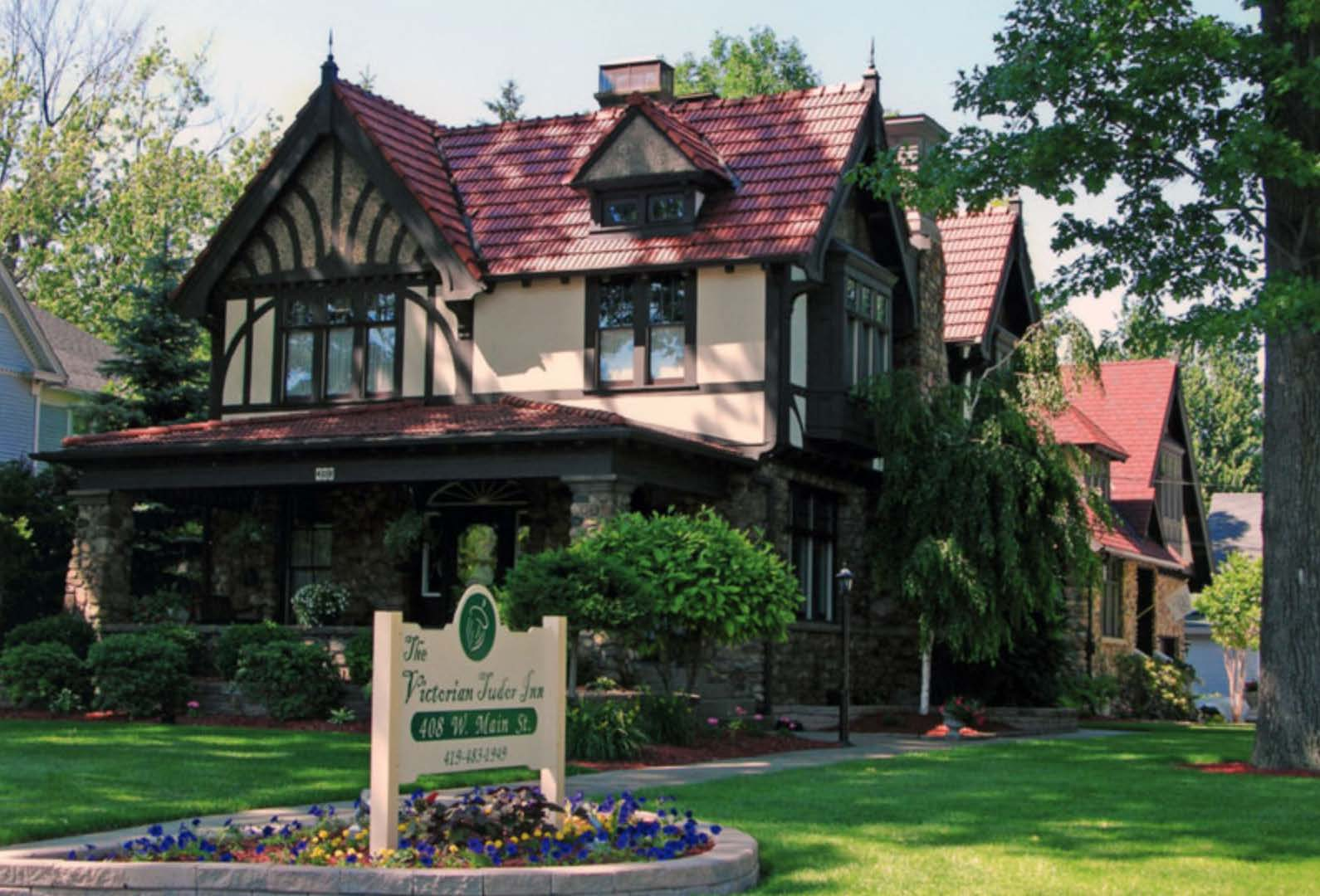 Victorian Tudor Inn - Booking.com