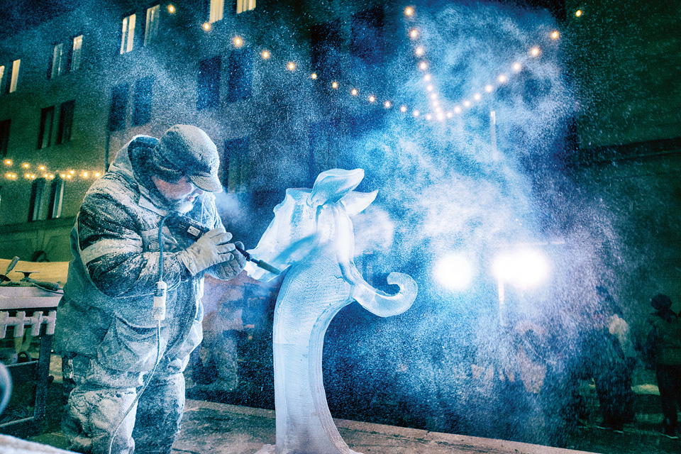 Ice-carving-festival