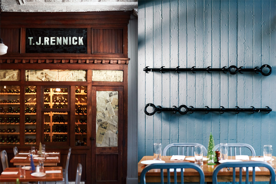 Rennick wine cooler and hooks