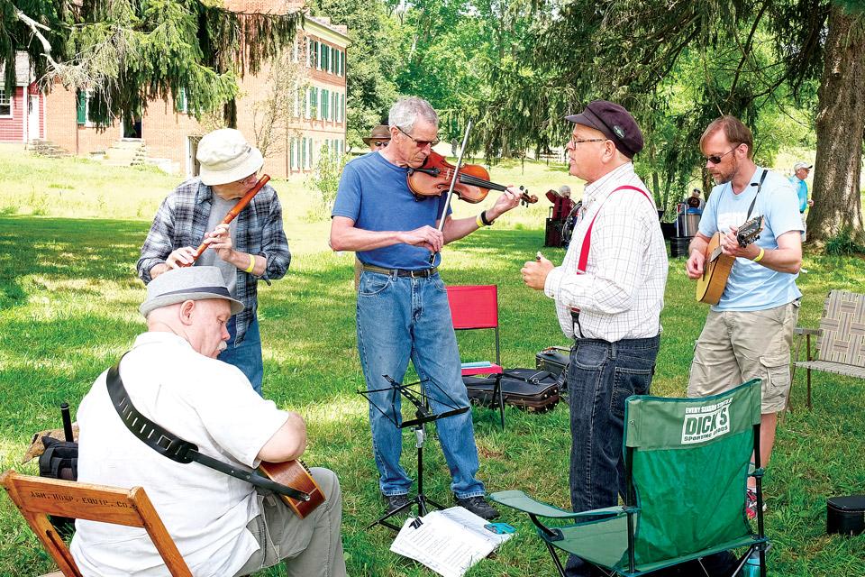 9_1-Hale-Farm-Music-in-Valley