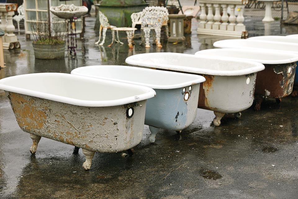 Vintage clawfoot bathtubs
