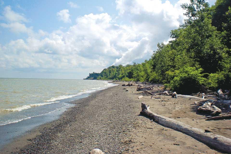 Lake-Erie-Bluffs
