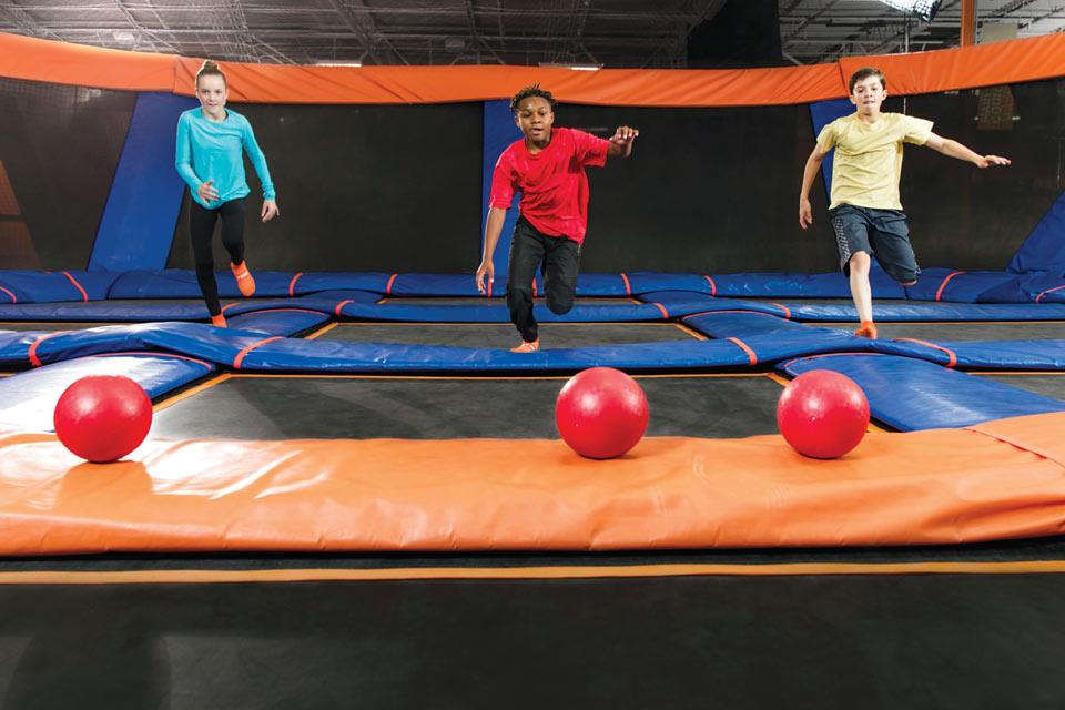 Sky-Zone-dodgeball