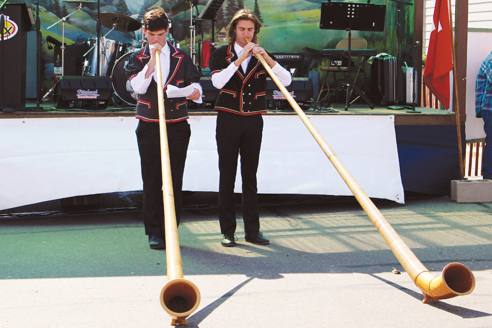 Swiss-festival-horns