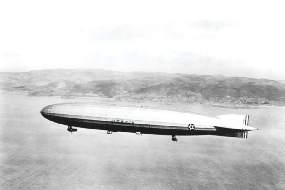 USS Shenandoah in flight