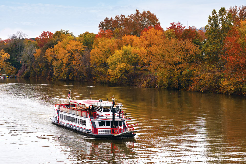 Valley Gem Sternwheeler (photo by Nate Knobel)