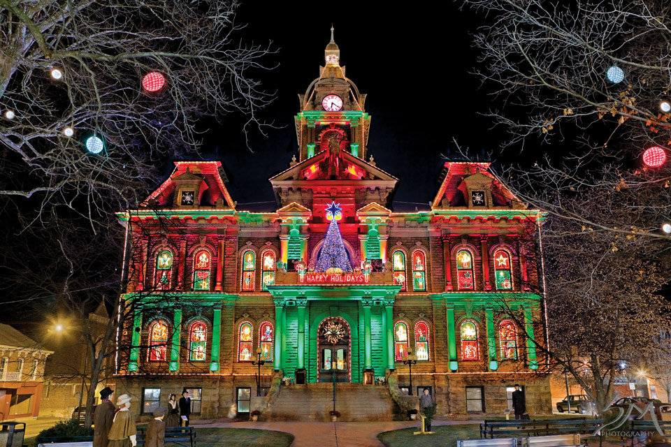 Guernsey County Courthouse Lights Show (photo by Steven Miskovich II)