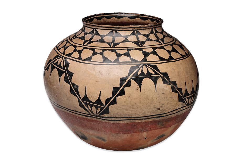 Santo Domingo Pueblo (Kewa Pueblo) polychrome pottery jar