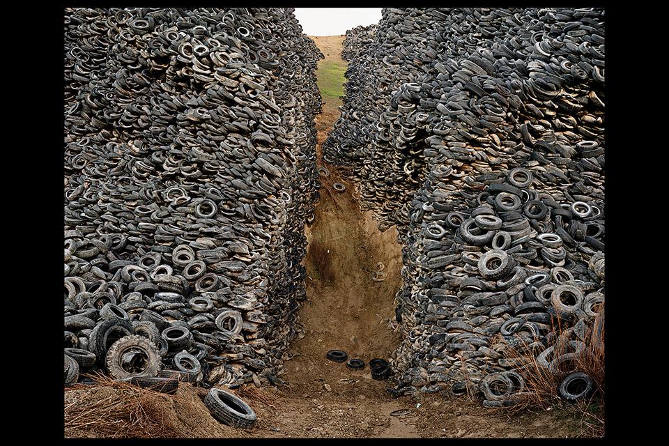 Oxford-Tire-Pile-#8-Burtynsky