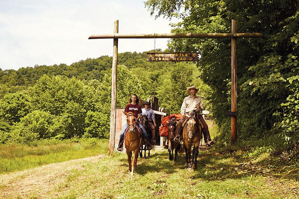 Kentucky McKee Horseback Riding (photo courtesy of Kentucky Department of Tourism)