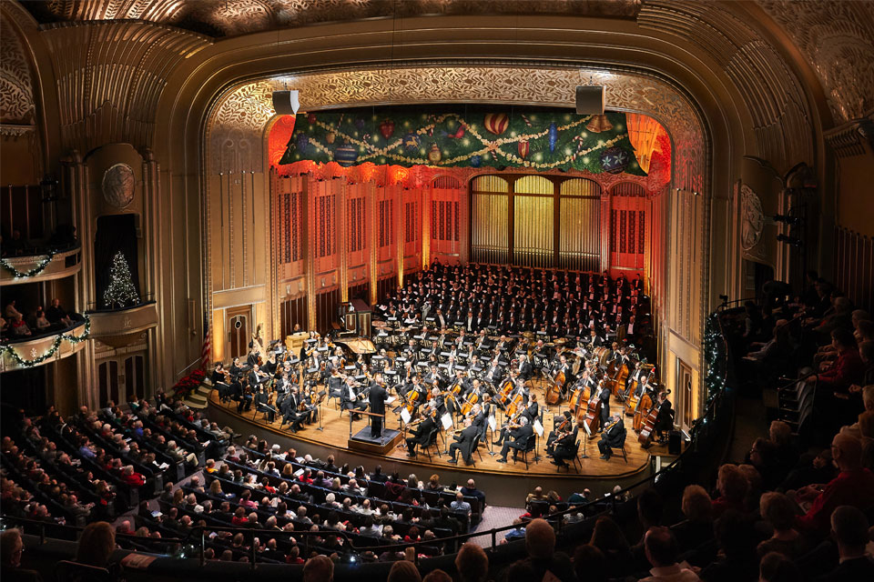 Cleveland Orchestra Christmas Concerts (photo by Roger Mastroianni)