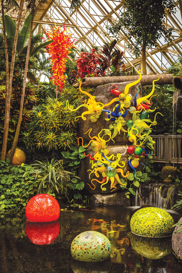 Chihuly at Franklin Park Conservatory (Nijima Floats, Sunset Chandelier and Anemones)