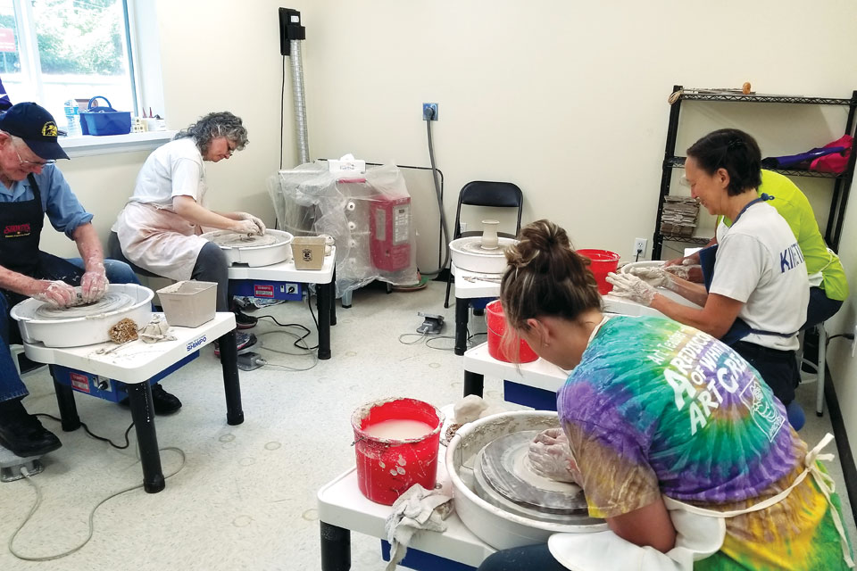 Kentucky Guild of Artists and Craftsmen pottery class (photo courtesy of Kentucky Guild of Artists and Craftsmen)