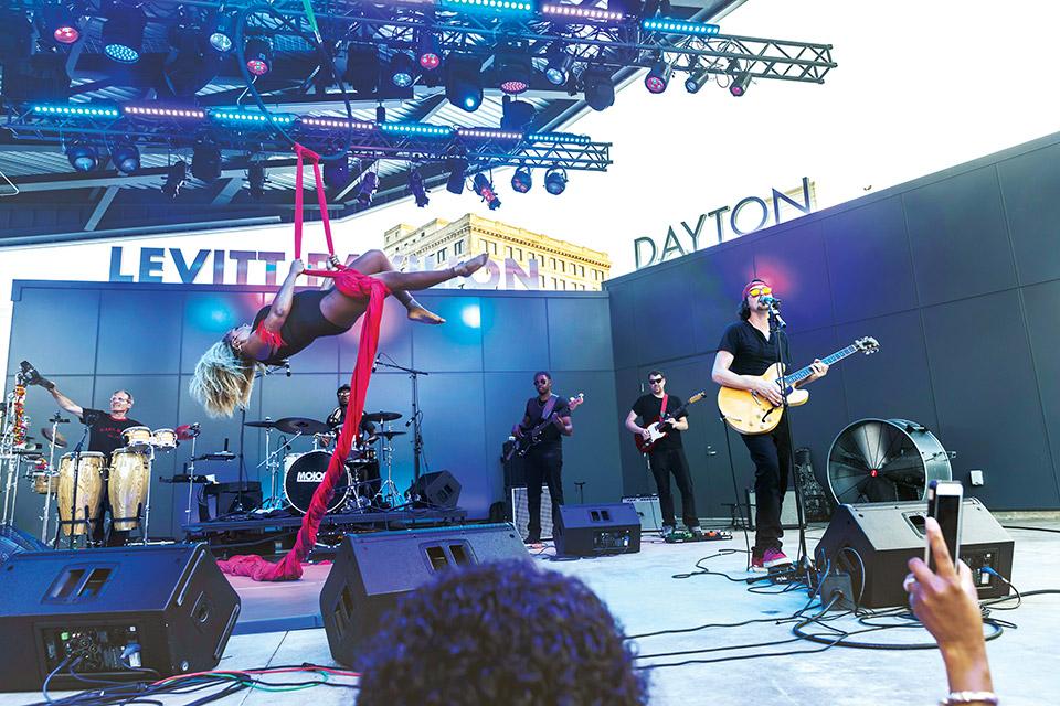 Mojo Flo at Levitt Pavilion Dayton (photo by Andy Snow)