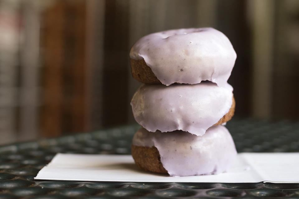 White House Fruit Farm blueberry doughnuts (photo by Kelly Powell)