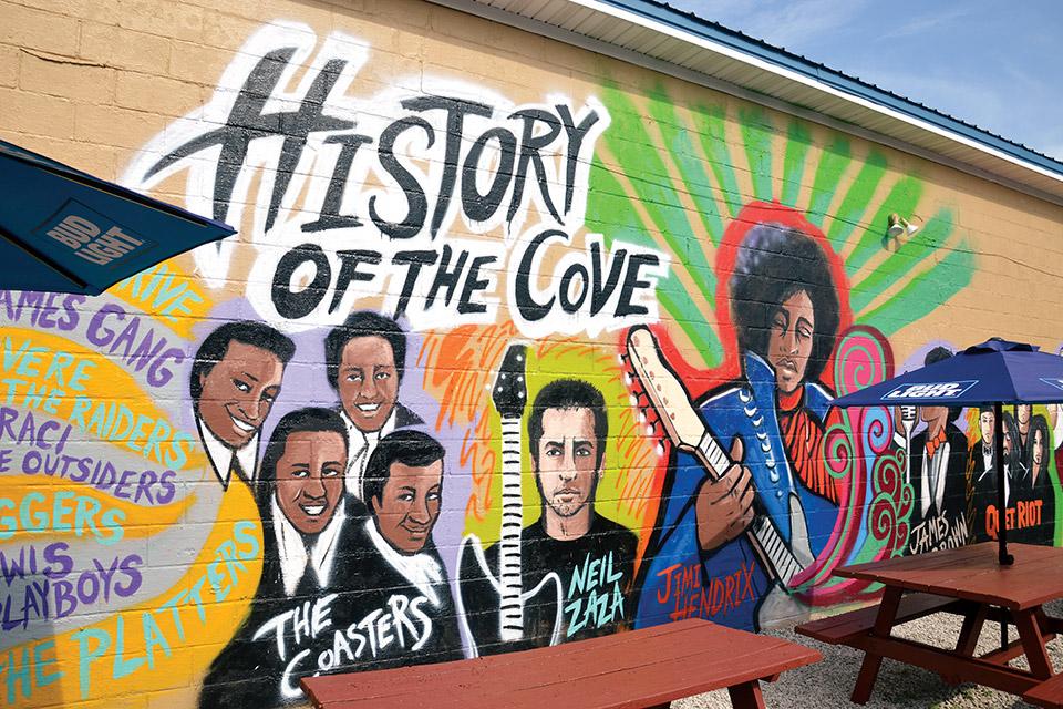 History of the Cove mural (photo courtesy of Ashtabula County Visitors Bureau)