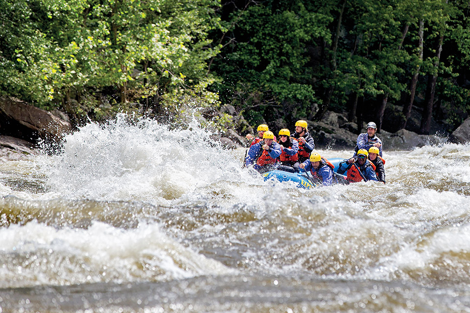 People rafting on New River Gorge (photo courtesy of West Virginia Tourism Office)