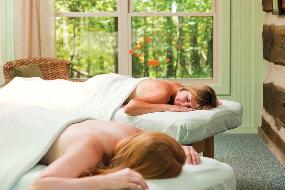 Woman getting a massage at the Inn & Spa at Cedar Falls (photo by Jumping Rocks Inc.)